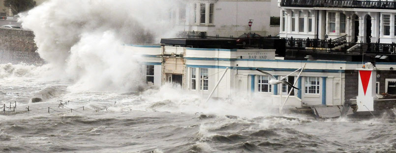 Pic Tony Carney/ApexHugh waves batter Plymouth's waterfront